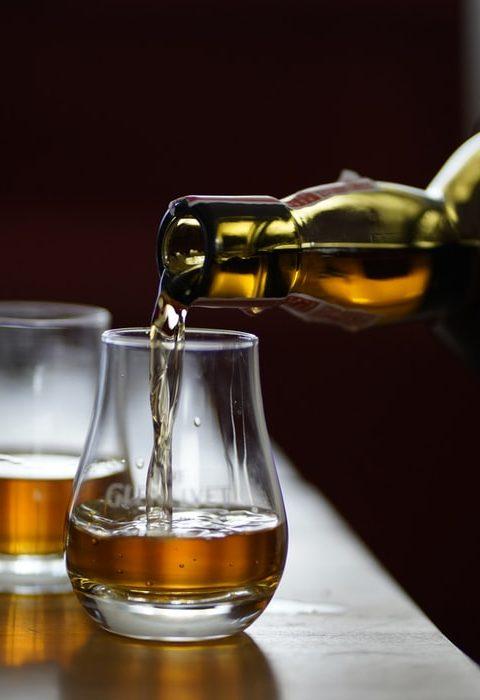 Z czym pic whisky
